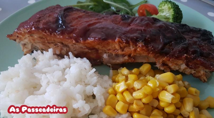 Costelinha de porco com molho barbecue feita em casa!