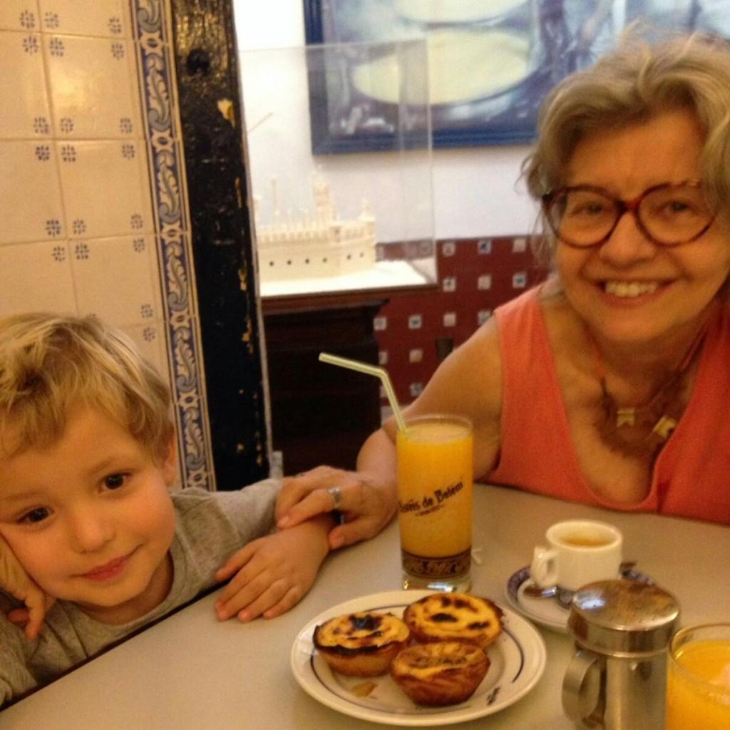 Pedrinho e vovó Claudia em Lisboa - Foto: Claudia Ferraz