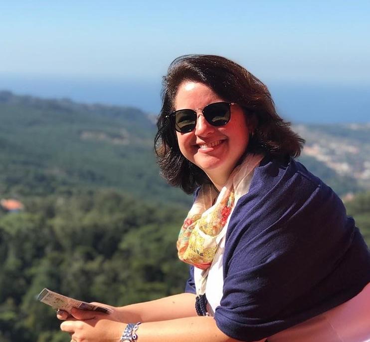 Fernanda em Sintra, pertinho de Estoril. Foto: @fac.fernanda